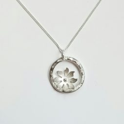 Flower pendant by Terri Campbell